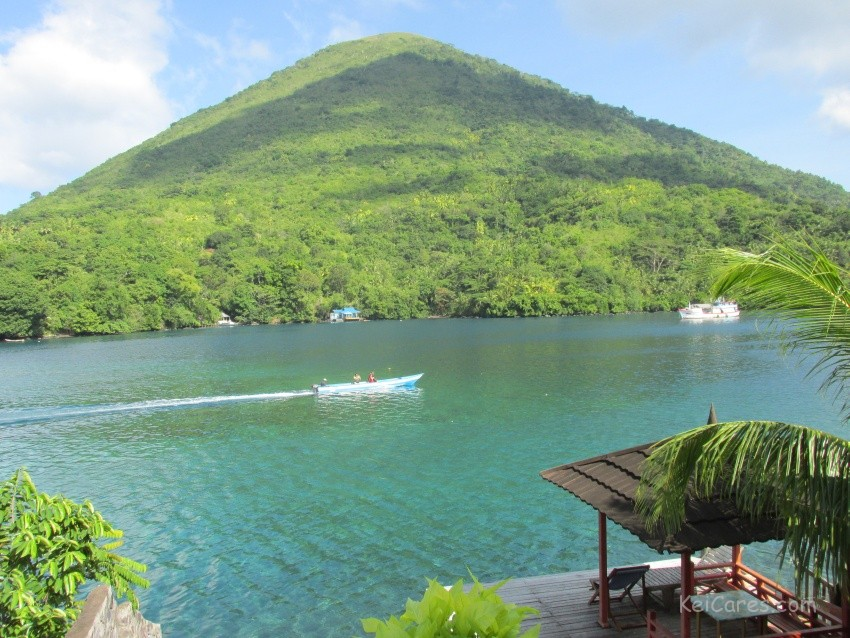 View from Delfika 2 hotel in Bandaneira