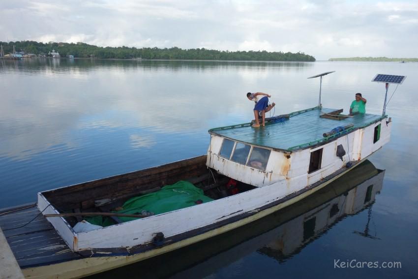 Tanimbar Kei - public boat