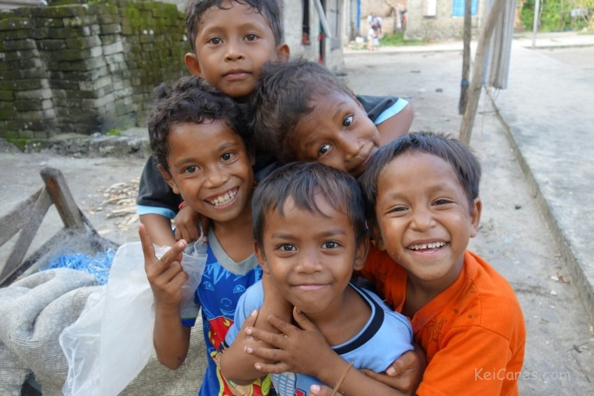 Children in Mun, Tanimbar Kei