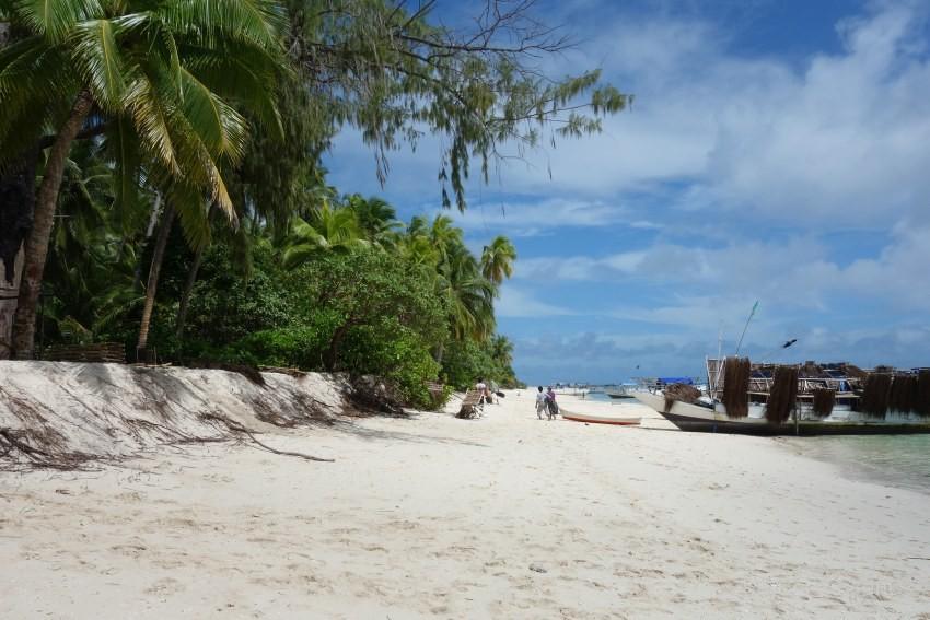 Nuhuta island beach